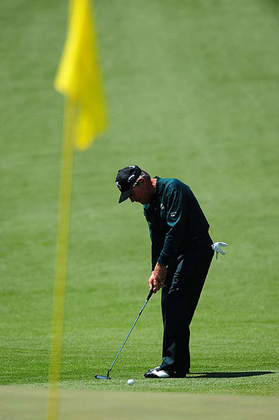 Playing in his last Masters, Gary Player opened with a six-over 78.