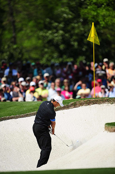 Woods found the sand on the sixth hole, which he went on to bogey.
