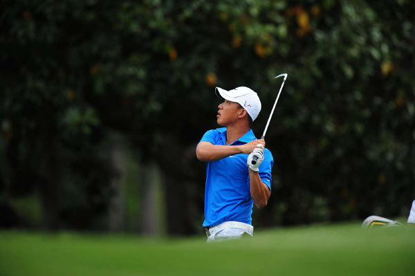 Anthony Kim moved within five strokes of the lead after a second round that included 11 birdies.