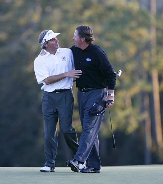 At the 2006 Masters, Mickelson was paired in the final twosome with longtime friend Fred Couples. Mickelson shot a 69 on Sunday to win his second green jacket.