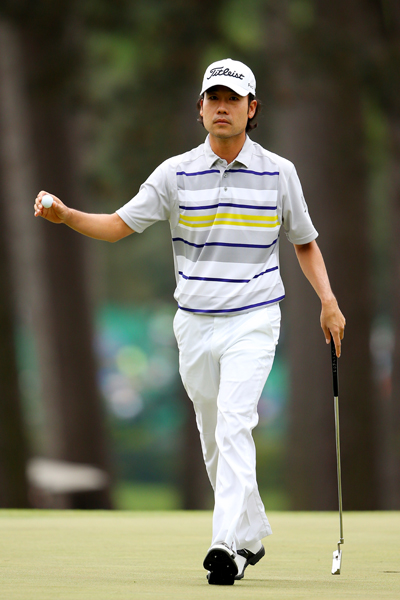 BEST: KEVIN NA                       Sunday was a rough day at Augusta for Kevin Na, but at least he looked well put together! The colors on his polo are fresh and vibrant, and the white hat and pants complement the white horizontal stripes perfectly.