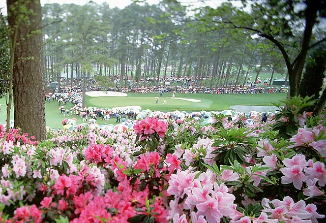 A view of the par-3 16th at the 1995 Masters.