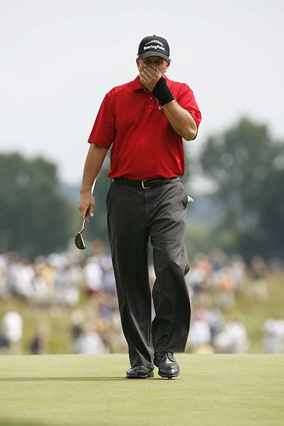 Mickelson missed the cut at Oakmont in 2007.