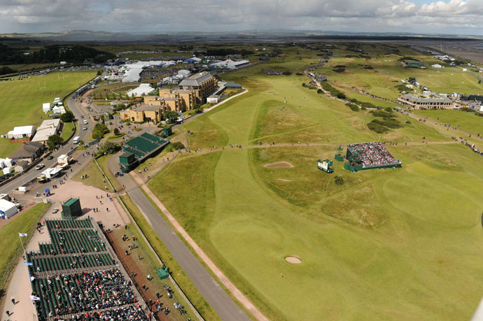 St. Andrews Old Course                       The road hole at St. Andrews' Old Course.