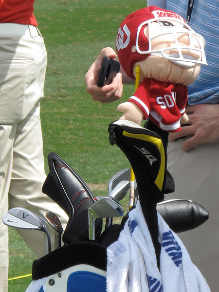 shows his Oklahoma pride by using a Boomer Sooner headcover on his Nike VR Tour driver.
