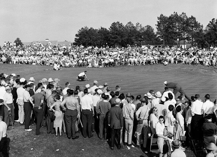 Arnold Palmer - 1960                   The King came to the 18th hole needing a birdie to win after tying Ken Venturi with a long birdie putt on 17. Palmer found the right side of the fairway with his drive and then rocketed a 6-iron to the uphill 18th green. He nearly holed it and made the subsequent 5-footer to secure the title.