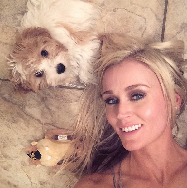 @blaironealgolf Me n my lil tazmanian wishing you a good night! G'night world.