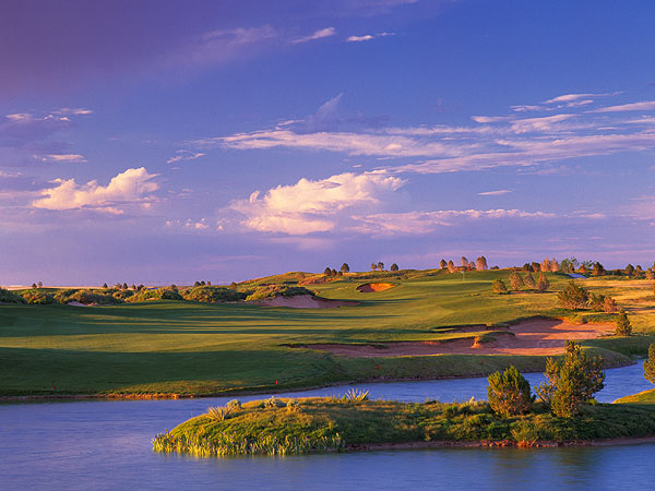 Butterfield Trail Golf Club                           El Paso, Tex.                           7,307 yards, par 72                           Green fees: $65-$80                           915-772-1038, butterfieldtrailgolf.com                           Tom Fazio is known for his stylized, flawlessly                           landscaped, big-budget designs that are as                           polished as a Beverly Hills trophy wife. At                           Butterfield Trail, not far from El Paso                           International Airport, each hole is named for a                           different Stagecoach stop on the 2,800-mile                           Missouri-to-San Francisco trail used by the                           Butterfield Overland Mail Company from 1858                           to 1861. The fairways are wide enough to                           accommodate shots in the roaring west Texas                           winds, but there are sufficient strategic options                           to keep you interested. The Trail's final stop is its                           finest, a classic gambler's par-5 of 566 yards that                           buttonhooks to the right around a lake. If you                           want an on-time arrival at the green, your                           approach had better be letter-perfect.