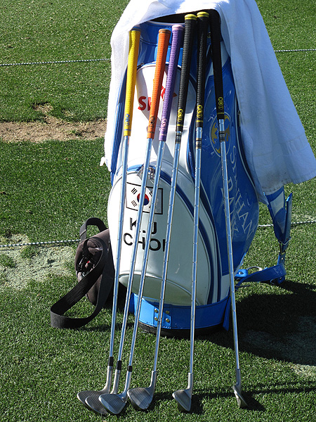 K.J. Choi uses some very colorful grips.