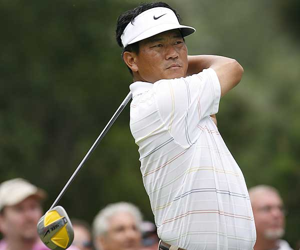 Drivers Used by Golf's Top 10                           Learn more about the drivers used by the top 10 golfers in the official world ranking.                                                      No. 10                           K.J. Choi, South Korea                            Driver: Nike SasQuatch Sumo2 (8.5°)                            Average Drive Distance: 284.1 yards (T133)                            Driving Accuracy: 64.71% (66th)                            Total Driving Rank: T111