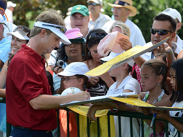 David Toms won the last PGA Championship played at Atlanta Athletic Club in 2001. His autograph is in high demand this week.
