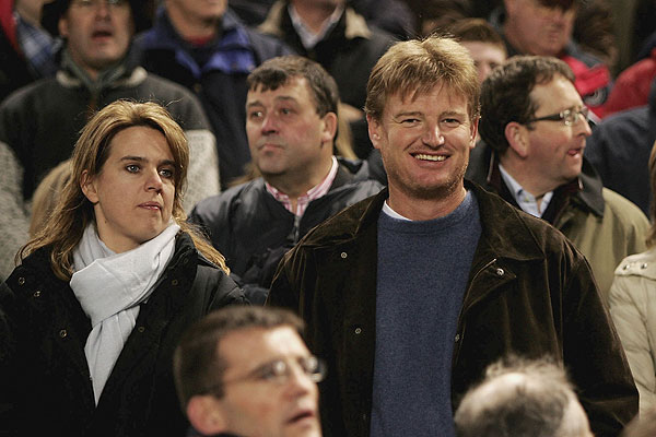 Els and his wife, Liezl, at a 2006 rugby match between South Africa and Ireland in Dublin.