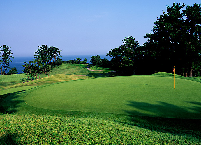 GREATEST COURSE IN NEED OF A CHAINSAW: Thirty years after I saw my first photo of Kawana Hotel's Fuji course, the 1936 C.H. Alison design ranked No. 71 in Golf Magazine's 2013 World rankings, I finally played it. It's a fun and strategic track. My beef? Decades of tree growth obscure the course's amazing Pacific views. Call Paul Bunyan and watch Kawana climb.