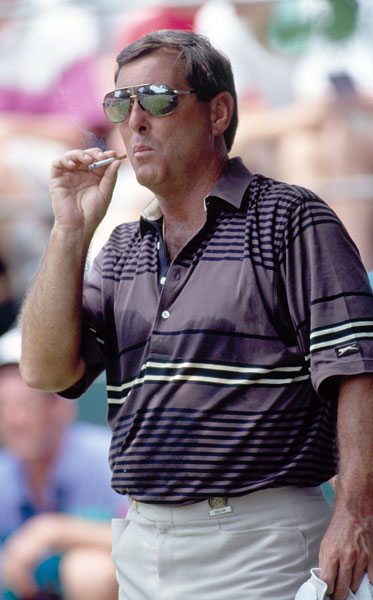 Fuzzy Zoeller grabs a smoke during the 1993 U.S. Open at Baltusrol Golf Club in New Jersey.