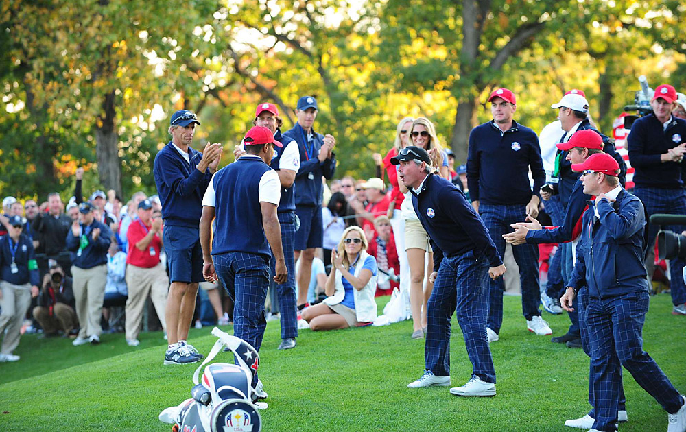 Woods received some encouragement from assistant captain Fred Couples, but he fell to Colsaerts and Westwood 1-down on Friday afternoon.