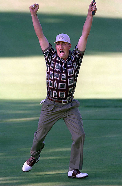 Ruderman says... Few people know this, but before Instagram, Ben Crenshaw, who selected these unis, tried to launch Shirtstagram, a photo sharing tool that allowed users to wear their favorite pictures on their shirts. Spoiler: Shirtstagram was not sold for a billion dollars.