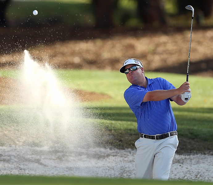 Carl Pettersson made seven birdies and four bogeys for a 68.