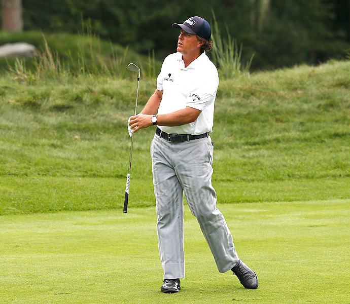 Phil Mickelson shot a third-round 71 and is 11 shots back heading into Monday.