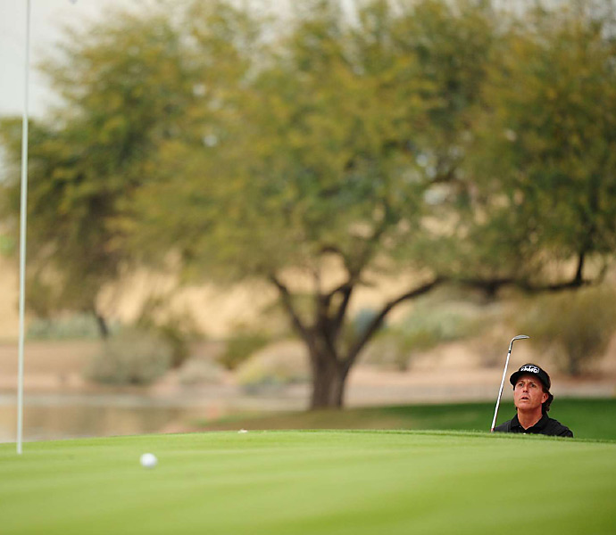 Mickelson finished at 28-under 256, two strokes off the PGA Tour record.