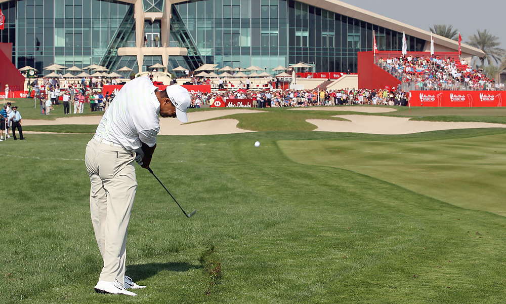 Tiger Woods made five birdies and two bogeys en route to a second-round 69.