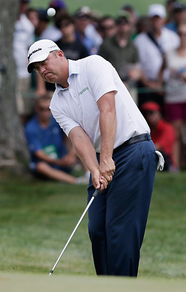 Van Pelt was tied with Woods late in the round, but closed with three straight bogeys.