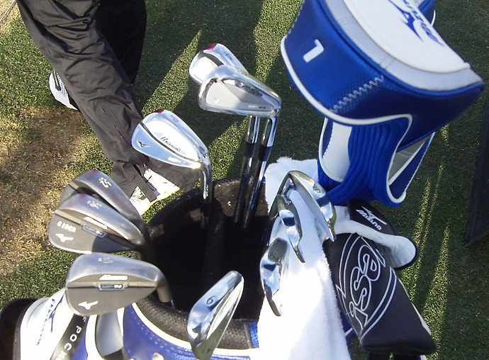 Chris Wood has a bag full of Mizuno sticks (minus the Yes! Putter).