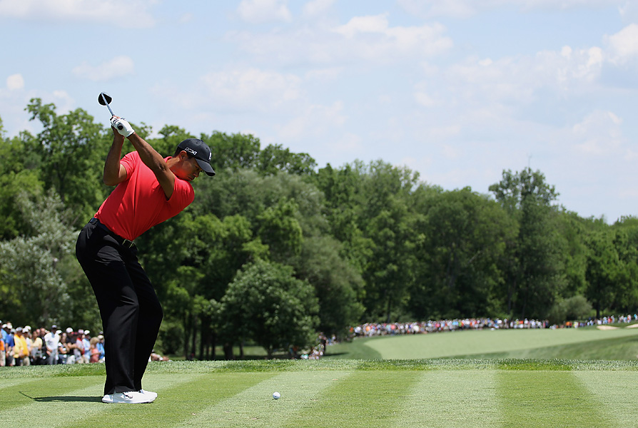 Woods shot a three-under 33 on his opening nine holes.