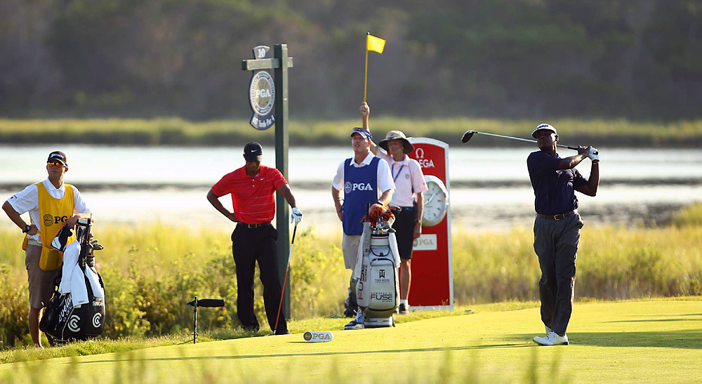 Playing alongside Woods on Sunday morning, Vijay Singh matched Tiger with a third-round 74. Singh faltered with a 77 in Round 4 and tied for 36th place.