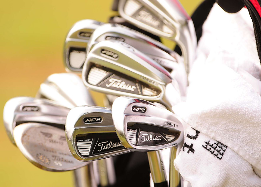 Steve Stricker prefers Titleist's 710 AP2 irons. The newest model of that club is the 712 AP2.