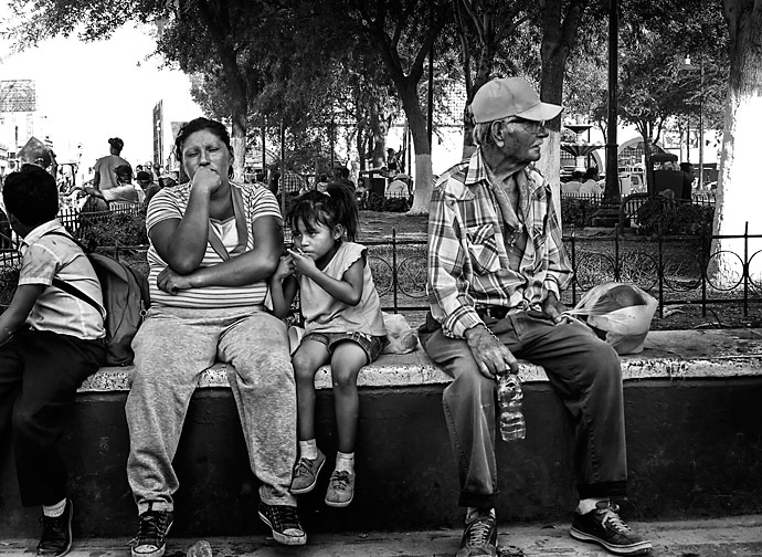 Residents at the town square in the center of downtown Juárez.