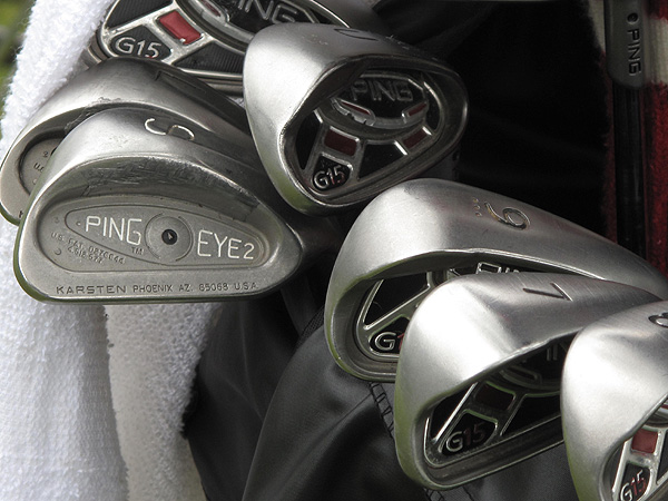 uses Ping G15 irons, as well as vintage Ping Eye2 wedges that have been made with grooves that now conform with the new rules.