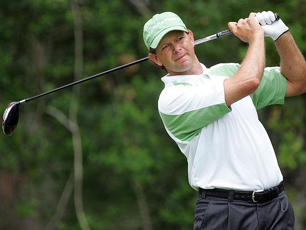 Winning U.S. Open titles at Southern Hills and Shinnecock Hills, Retief Goosen has proven that he knows how to play hard golf courses. The South African shot an opening-round 71 Thursday that featured 17 pars and a birdie on the par-5 16th.                                                      •