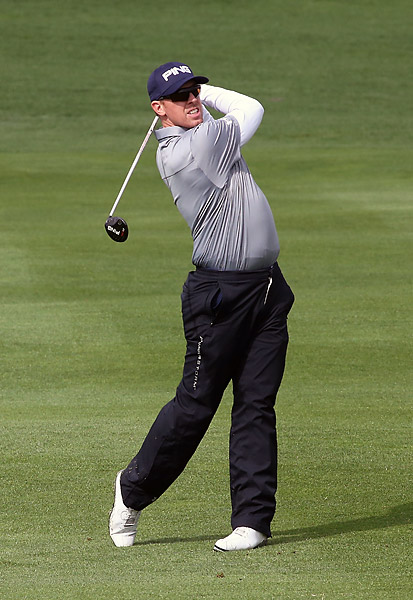 Hunter Mahan looked poised to challenge Walker for the lead but stumbled on the back nine, falling to sixth place at 7-under.