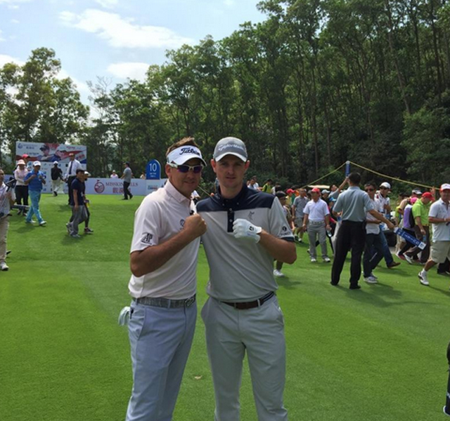 @IanJamesPoulter Moment of truth just teed off the 10th tee playing against @JustinRose99 on the Rose Poulter course.