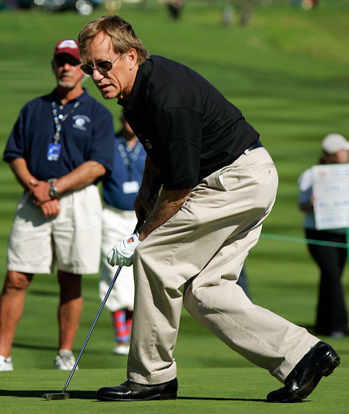 James Woods tries some body English during the 2006 AT&T Pebble Beach National Pro-Am. The actor is a 22.5 at Bel-Air Country Club.