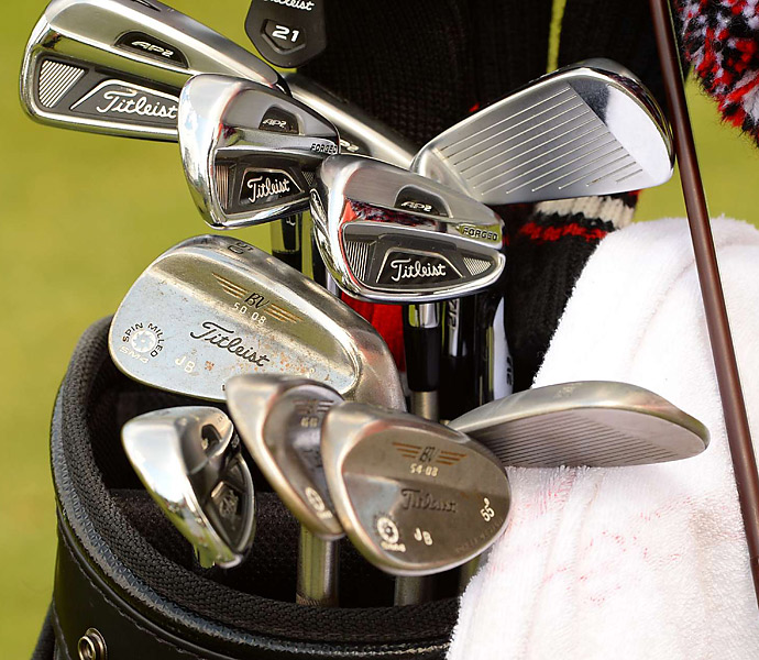 Jason Bohn matches Titleist AP2 irons with Vokey wedges.