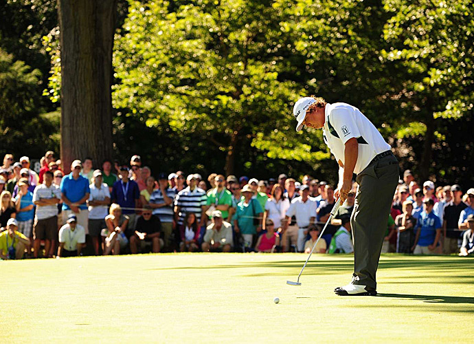 Beginning the day with the lead, Jason Dufner shot a 71.