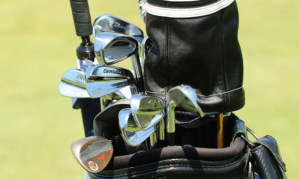 Jeff Overton uses Cleveland Forged 588 MB irons and 588 Forged wedges, as well as a Mizuno MP Fli-Hi hybrid iron.