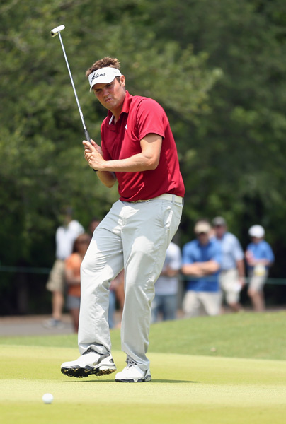 Jeff Overton fired a 2-under 70 on Sunday to finish alone in fourth, three strokes back of Noh.