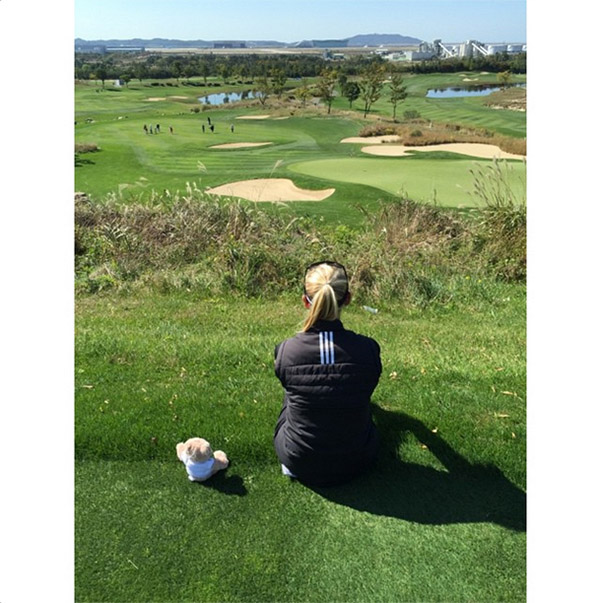 @thejessicakorda Sitting with my human enjoying our practice round - Frankie T. @Fti_us