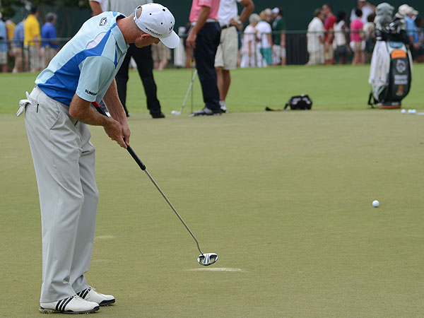 Jim Furyk is one of a growing number of players who have switched to a belly putter. His model is an Odyssey White Ice DART.