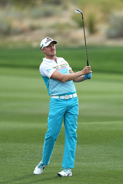 Jonas Blixt watches his third shot on the second hole during his 2 and 1 victory over Keegan Bradley.