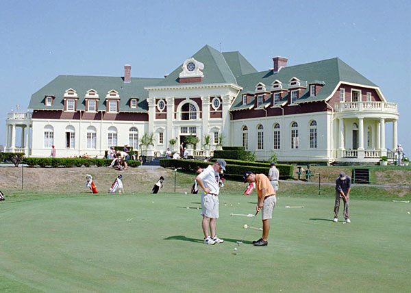 The first-ever U.S. Open took place at Newport Country Club (Newport, R.I.) in 1895. Back then, Newport was only a nine-hole track, and the tournament had 11 entrants. The golfers played 36 holes in one day, with Englishman Horace Rawlins claiming the title and $150 prize.
