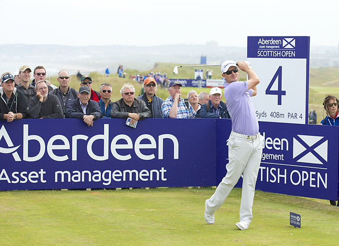 Justin Rose fired a five-under 66 on Saturday to move into a tie for the lead.