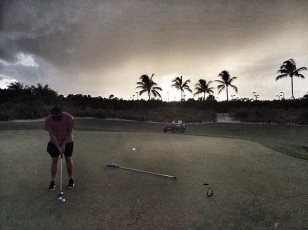 @JustinRose99 Last night putting after the gym! #RyderCupBuggy2012 #Bahamas