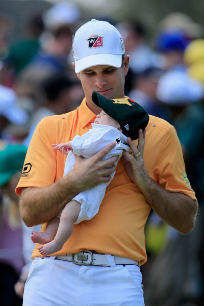 Kevin Streelman holds on tight to his daughter, Sophie.