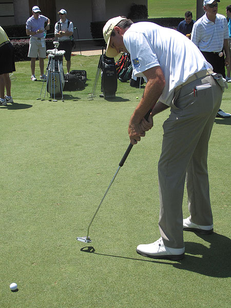 Matt Kuchar was using an extended-length Odyssey White Ice Dart putter on the practice green Wednesday.