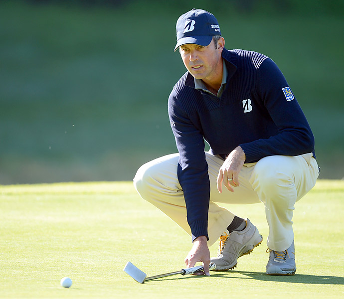 Matt Kuchar opened with a seven-under 64 to take the early lead at the Northern Trust Open.