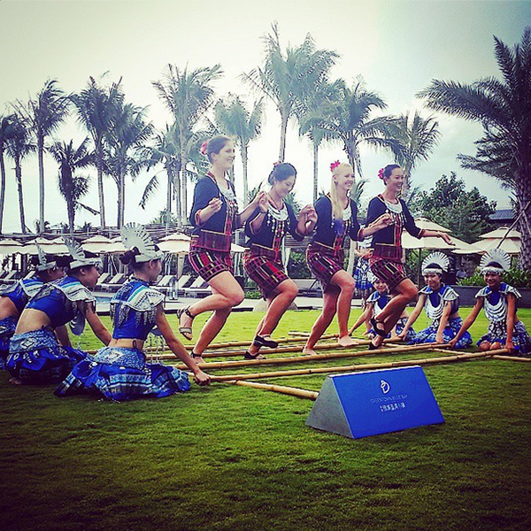 @themichellewie Had the chance to participate in a local traditional bamboo dance this afternoon #HainanIsland #BlueBay