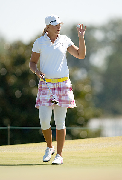 Anna Nordqvist is also tied for second.
